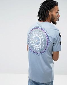 Удлиненная футболка с принтом инь-ян на рукавах и спине ASOS - Синий