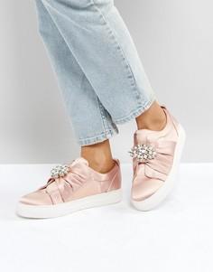 Атласные кроссовки с декорированной брошью New Look - Розовый