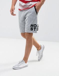 Серые трикотажные шорты с логотипом на штанине Hollister - Серый