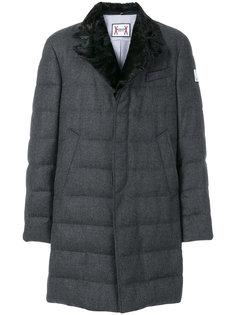 пуховое пальто с меховым воротником Moncler Gamme Bleu