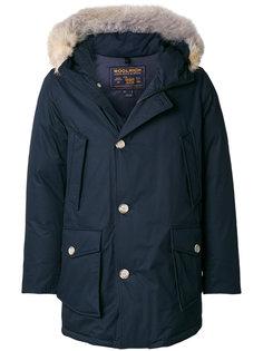 куртка-пуховик с меховой отделкой Woolrich