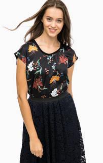 Черная футболка с цветочным принтом More & More