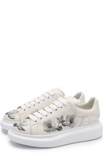 Кожаные кеды с вышивкой на шнуровке Alexander McQueen