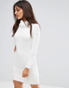Свободное платье-джемпер с отворачивающимся воротником QED London - Кремовый