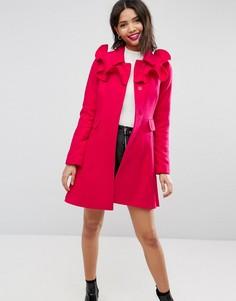 Короткое расклешенное пальто с оборками ASOS - Розовый