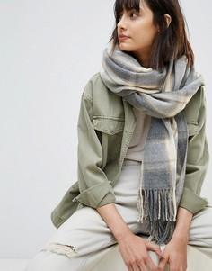 Длинный шарф в клетку с бахромой ASOS - Серый