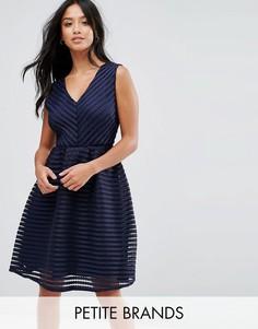 Фактурное короткое приталенное платье Yumi Petite - Темно-синий