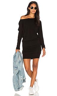 Объемное платье с открытым плечом - MONROW
