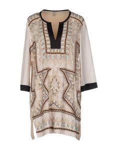 Короткое платье Blank