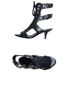 Босоножки на каблуке Guess