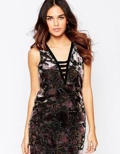 Цельнокройное платье с бархатным узором деворе ASOS PETITE - Мульти