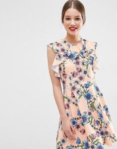 Короткое приталенное платье с оборками и цветочным принтом ASOS PETITE - Розовый