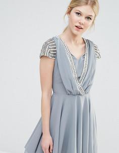 Платье мини с отделкой на коротких рукавах и запахом Maya Petite - Серый
