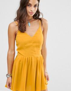 Платье мини на тонких бретельках Glamorous Petite - Желтый