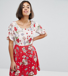 Короткое приталенное платье с цветочным принтом из комплекта ASOS PETITE - Мульти