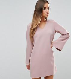Платье-трапеция с глубоким вырезом ASOS PETITE - Розовый