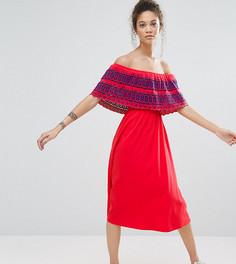 Сарафан миди с открытыми плечами и вышивкой ришелье на оборке ASOS PETITE - Красный
