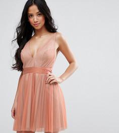 Платье мини на бретелях с глубоким вырезом и плиссировкой ASOS PETITE - Розовый