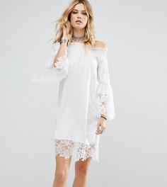 Платье с открытыми плечами и кружевом кроше White Cove Tall - Белый
