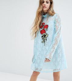 Кружевное платье с аппликацией Reclaimed Vintage X Romeo And Juliet - Синий