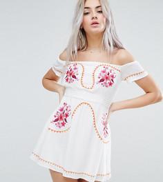 Платье с вышивкой и открытыми плечами Glamorous Petite - Кремовый