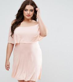 Короткое приталенное платье с накладкой Club L Plus Essentials - Розовый