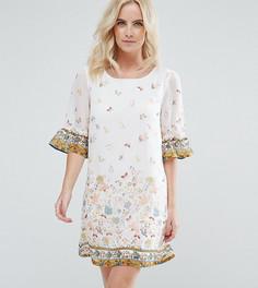 Свободное платье с цветочным принтом и оборками на рукавах Yumi Petite - Белый