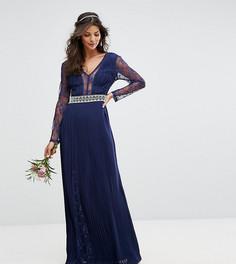 Плиссированное платье макси с длинными рукавами и кружевом TFNC WEDDING - Темно-синий