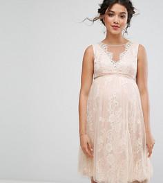 Платье миди с кружевной аппликацией Chi Chi London Maternity - Розовый