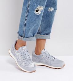 Серые атласные кроссовки Nike Internationalist Essential - Серый