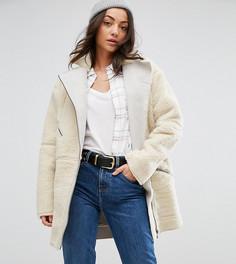 Байкерская куртка из искусственного меха ASOS Tall Luxe - Кремовый