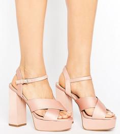Атласные туфли для широкой стопы на каблуке и платформе New Look - Бежевый