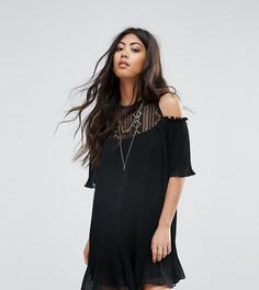 Свободное платье с открытыми плечами и расклешенными рукавами Boohoo Petite - Черный