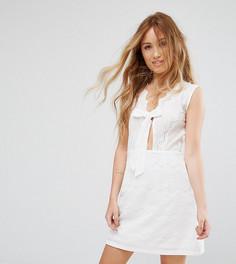 Свободное платье с кружевной отделкой и завязкой Boohoo Petite - Белый