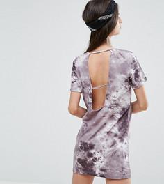 Платье-футболка с принтом тай-дай и бретелями на спине АSOS PETITE - Серый