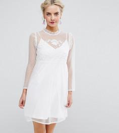 Сетчатое свободное платье с вышивкой ASOS PETITE - Белый
