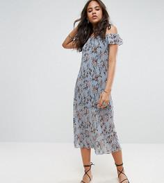 Плиссированное платье с открытыми плечами и цветочным принтом Glamorous Tall - Мульти