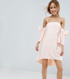 Платье мини с открытыми плечами и бантами на рукавах True Decadence Petite - Кремовый