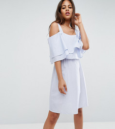 Платье в тонкую полоску с открытыми плечами и оборками Y.A.S Tall - Синий