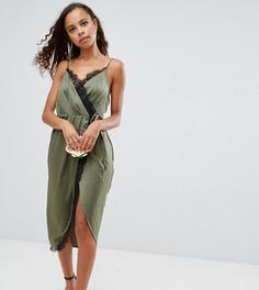 Соблазнительное атласное платье миди на бретельках с запахом и кружевной отделкой ASOS PETITE - Зеленый