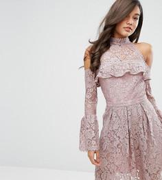 Кружевное короткое приталенное платье с открытыми плечами Dark Pink - Розовый