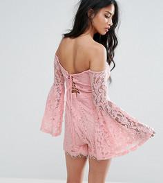 Кружевной ромпер с расклешенными рукавами Missguided Petite - Розовый