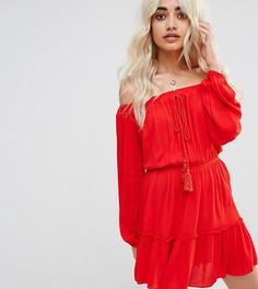 Платье с кисточками и оборкой Missguided Petite - Красный