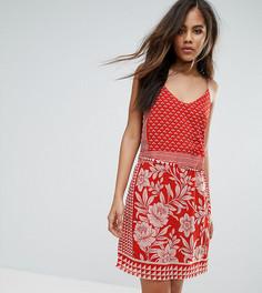 Платье на бретельках с принтом Vero Moda Tall - Красный