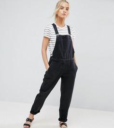 Черный выбеленный джинсовый комбинезон ASOS PETITE - Черный