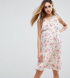 Платье без рукавов с цветочным принтом Mamalicious - Мульти Mama.Licious