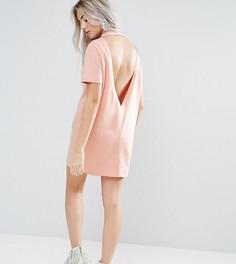 Платье-футболка с открытой спиной и V-образным вырезом ASOS PETITE - Розовый