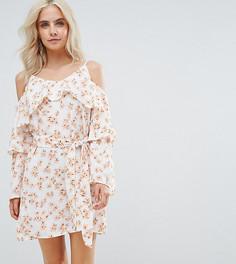 Платье с открытыми плечами и цветочным принтом Boohoo Petite - Мульти