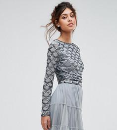 Кроп-топ с длинными рукавами и декоративной отделкой Lace & Beads - Серый