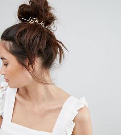 Золотистая металлическая заколка для волос со шпилькой и отделкой в виде надписи Love Orelia - Золотой